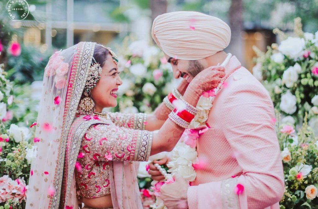 neha kakkar bollywood wedding varmala pics
