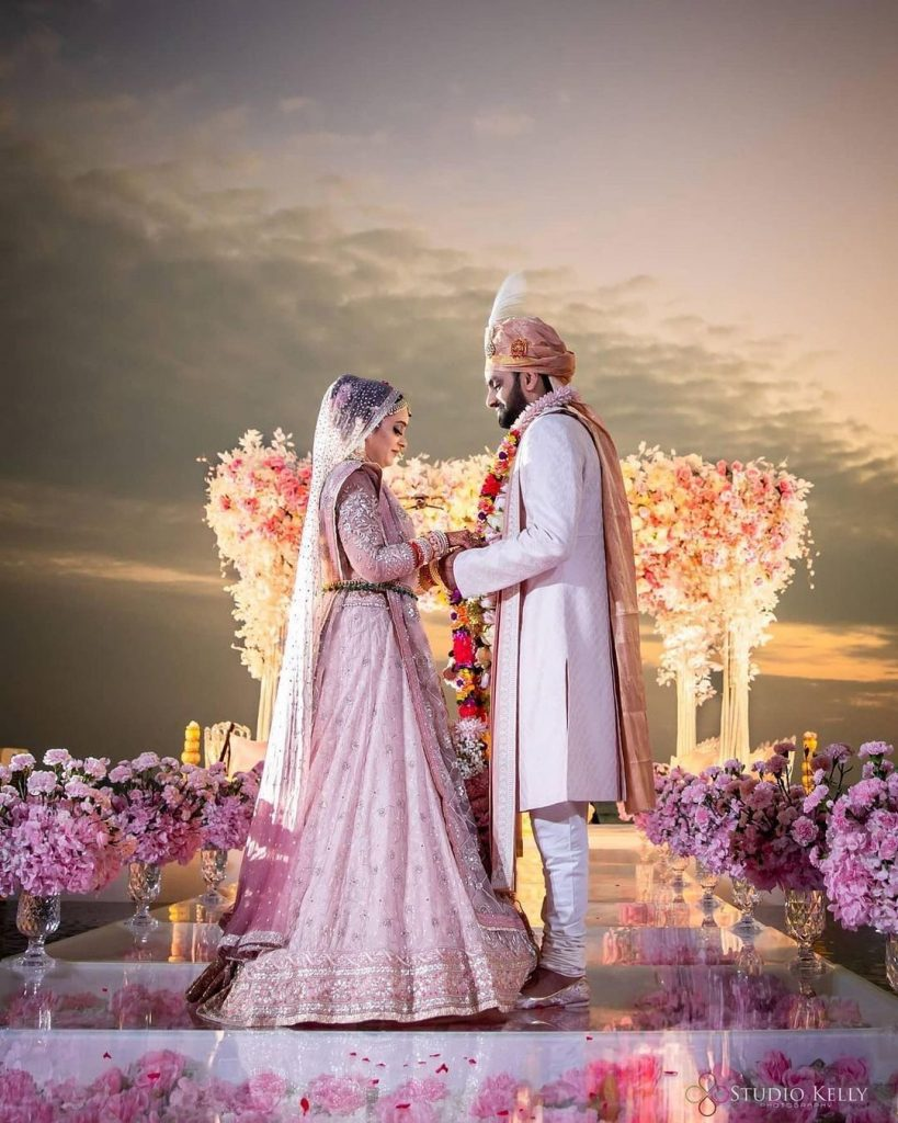 open stage jaimala theme in wedding