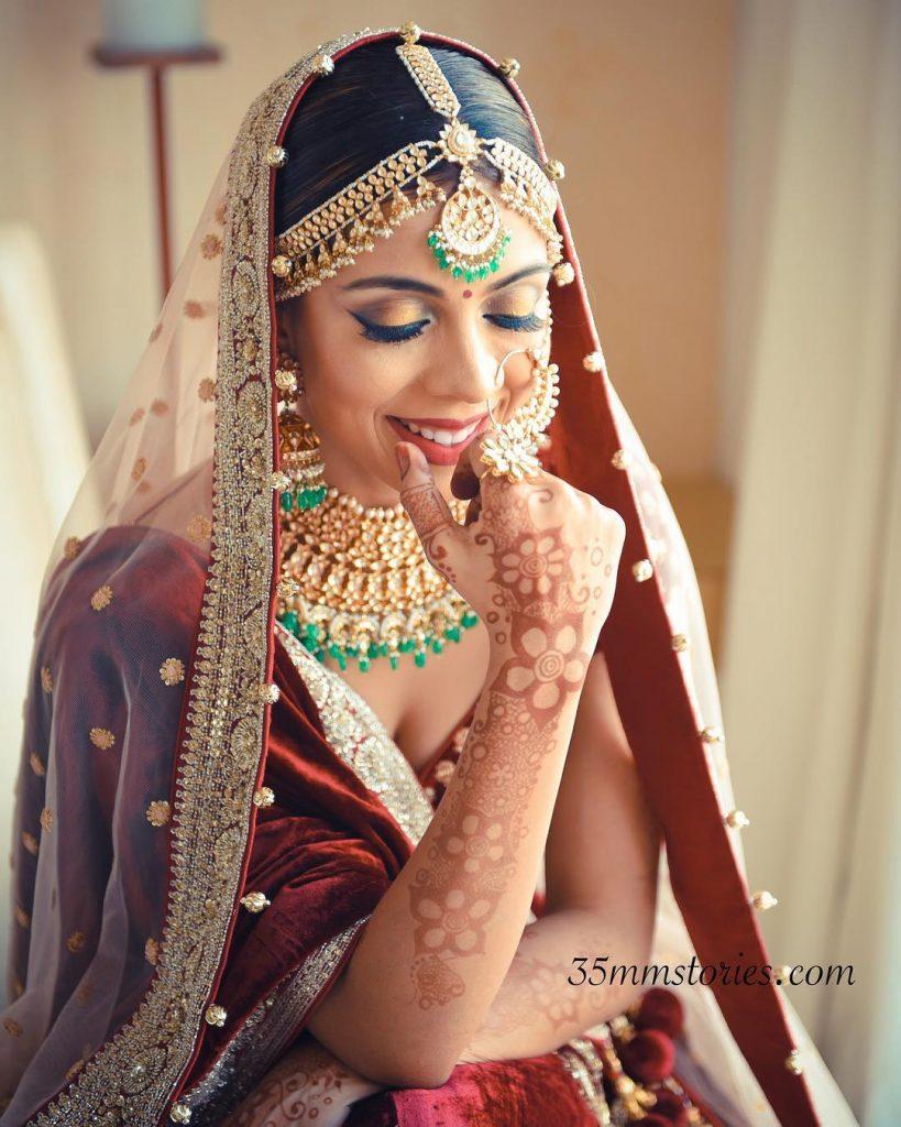Pratishtha Arora bridal Golden eye makeup