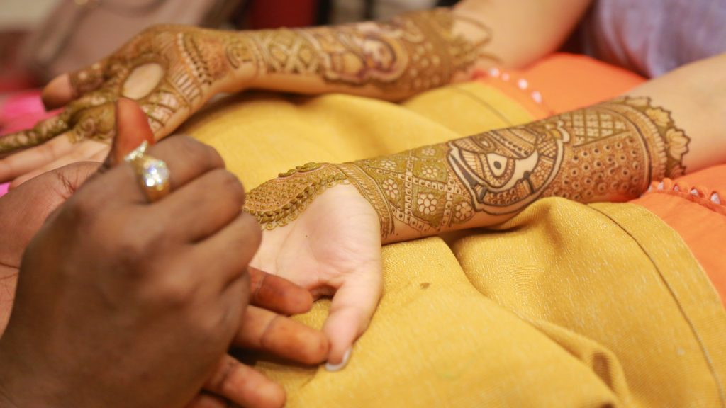 mehendi design on hand for indian bride