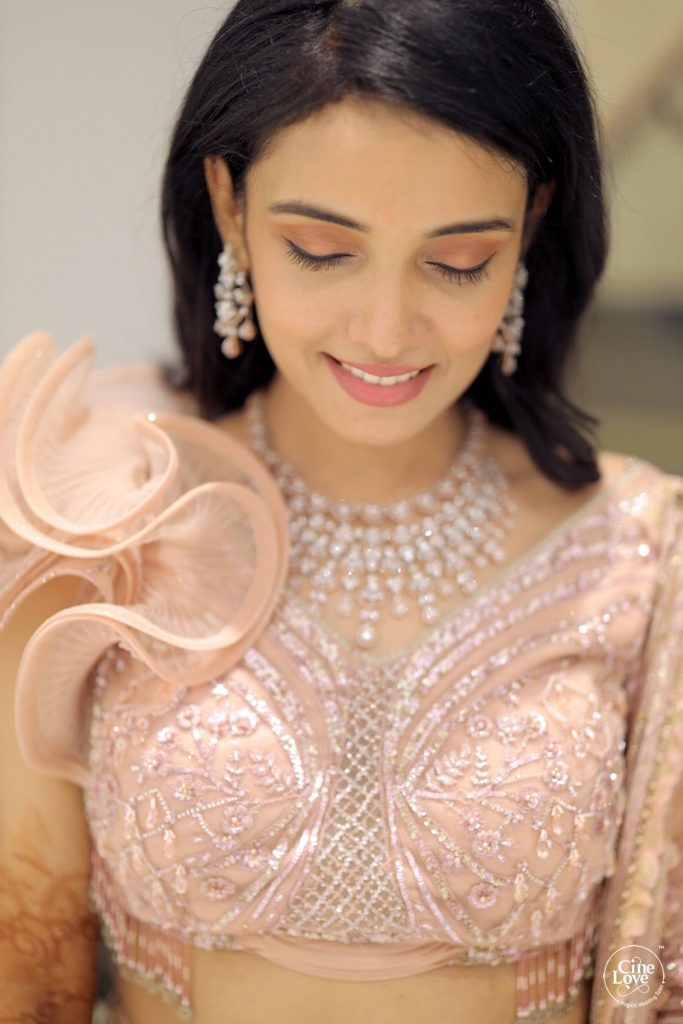 Easy rosy pink eye makeup for indian bride