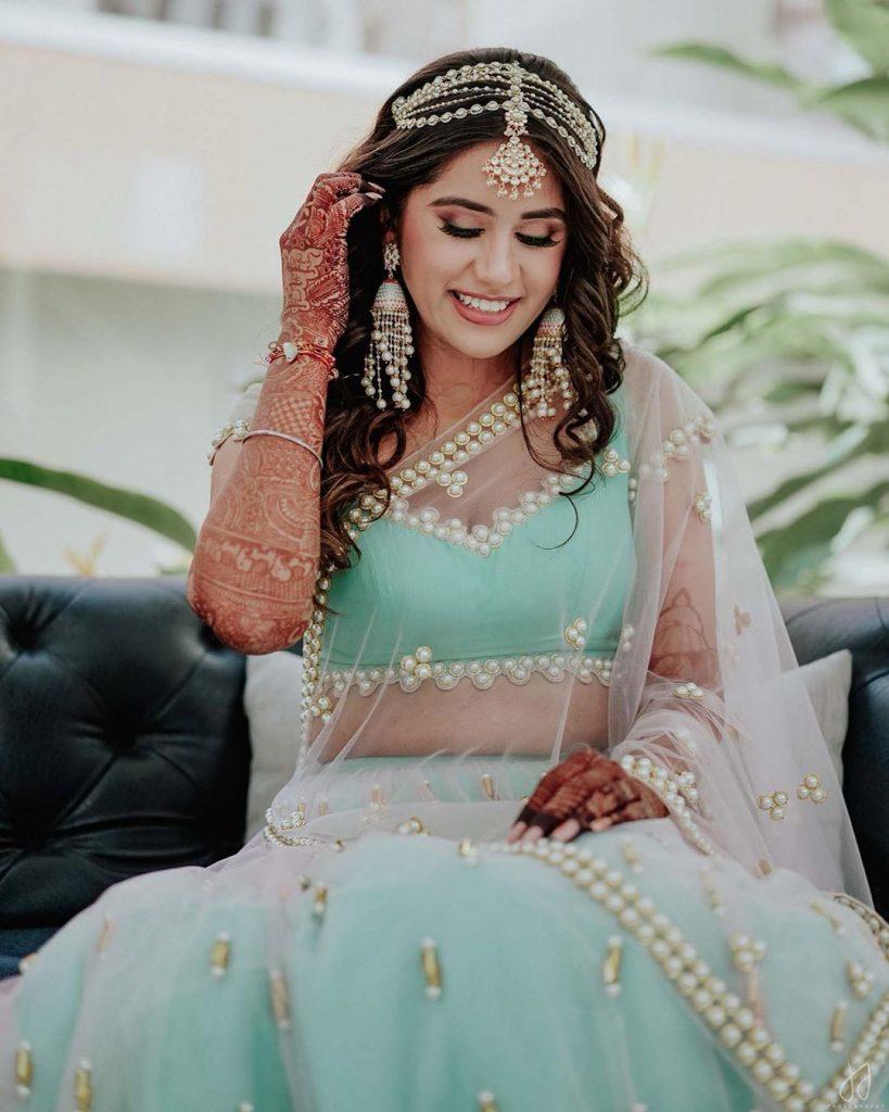 Pratishtha Arora's Nude brown minimal bridal eye makeup