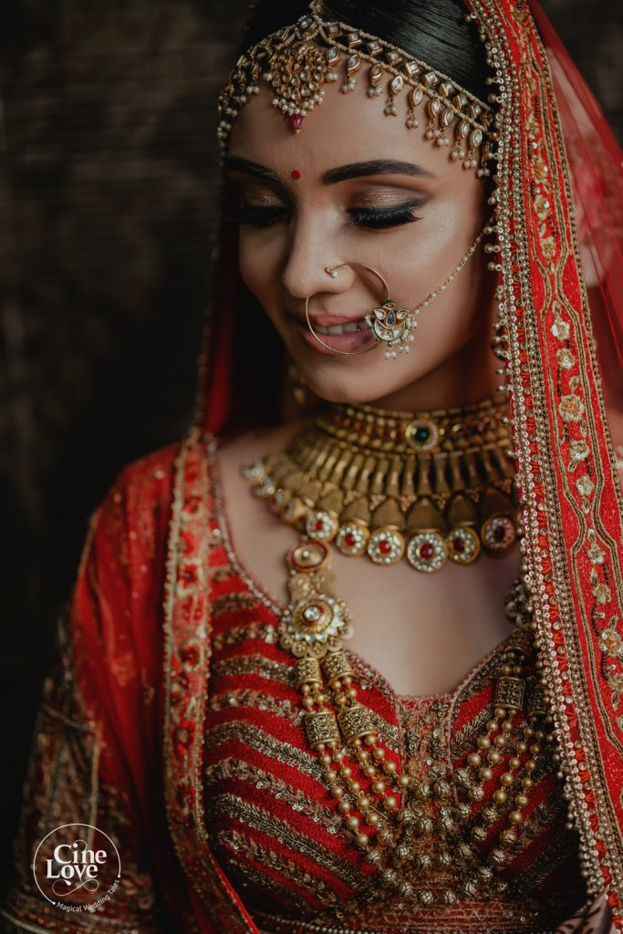 pale brown minimalistic bridal eye makeup with lashes clicked by CineLove