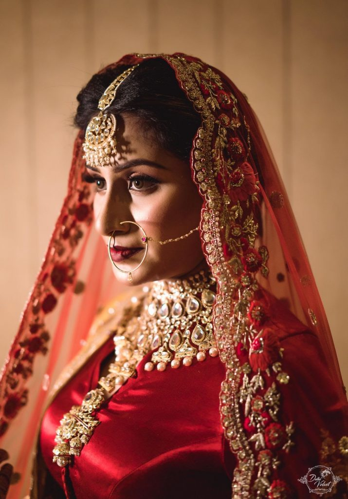 traditional gold maang tika and bridal jewellery