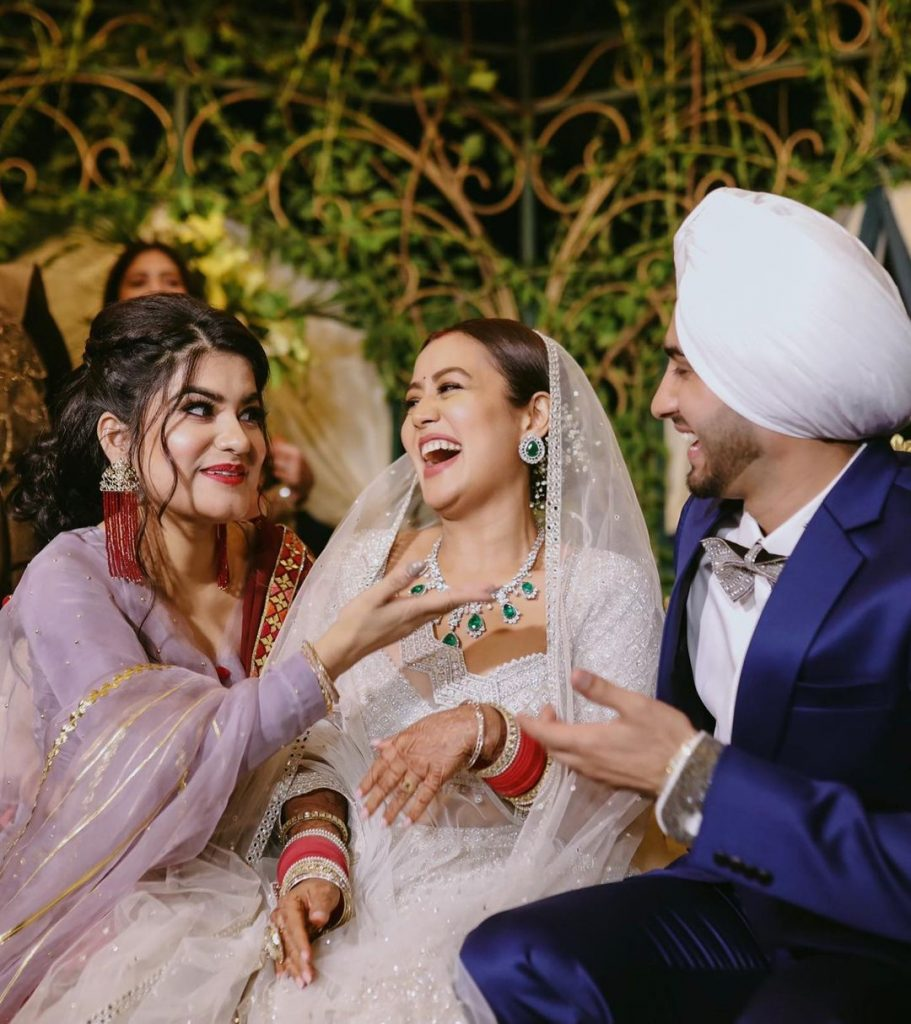 Candid Photo from Neha Kakkar & Rohanpreet Singh Wedding Reception