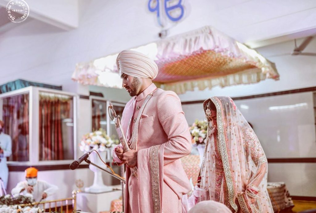 Neha Kakkar and Rohanpreet Singh during the wedding rituals of their sikh anand karaj ceremony at a gurudwara in Delhi