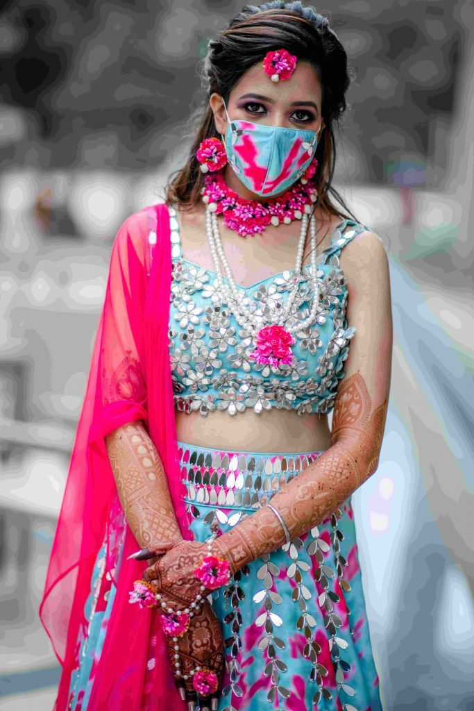 tie and dye print mehendi mask for bride