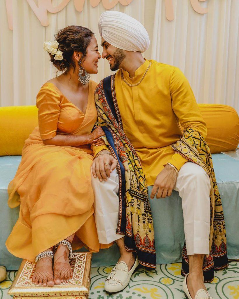 neha kakkar and rohanpreet singh coordinated mehendi outfits