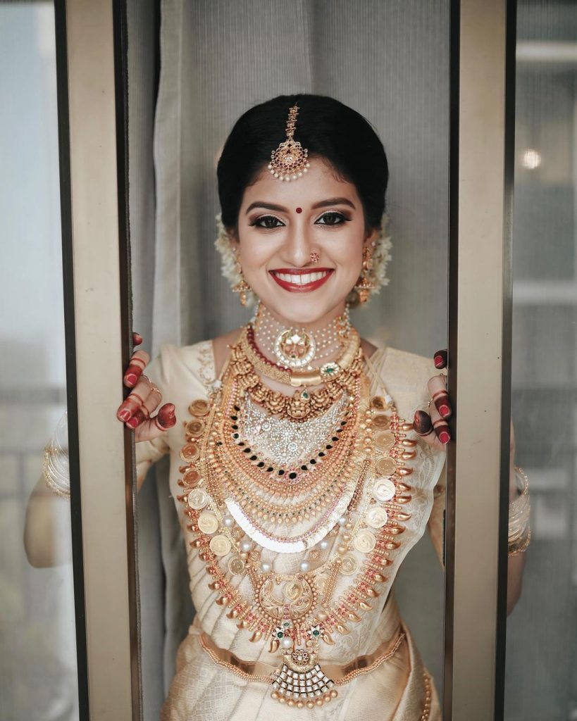 gold dulhan set with south indian bridal wear