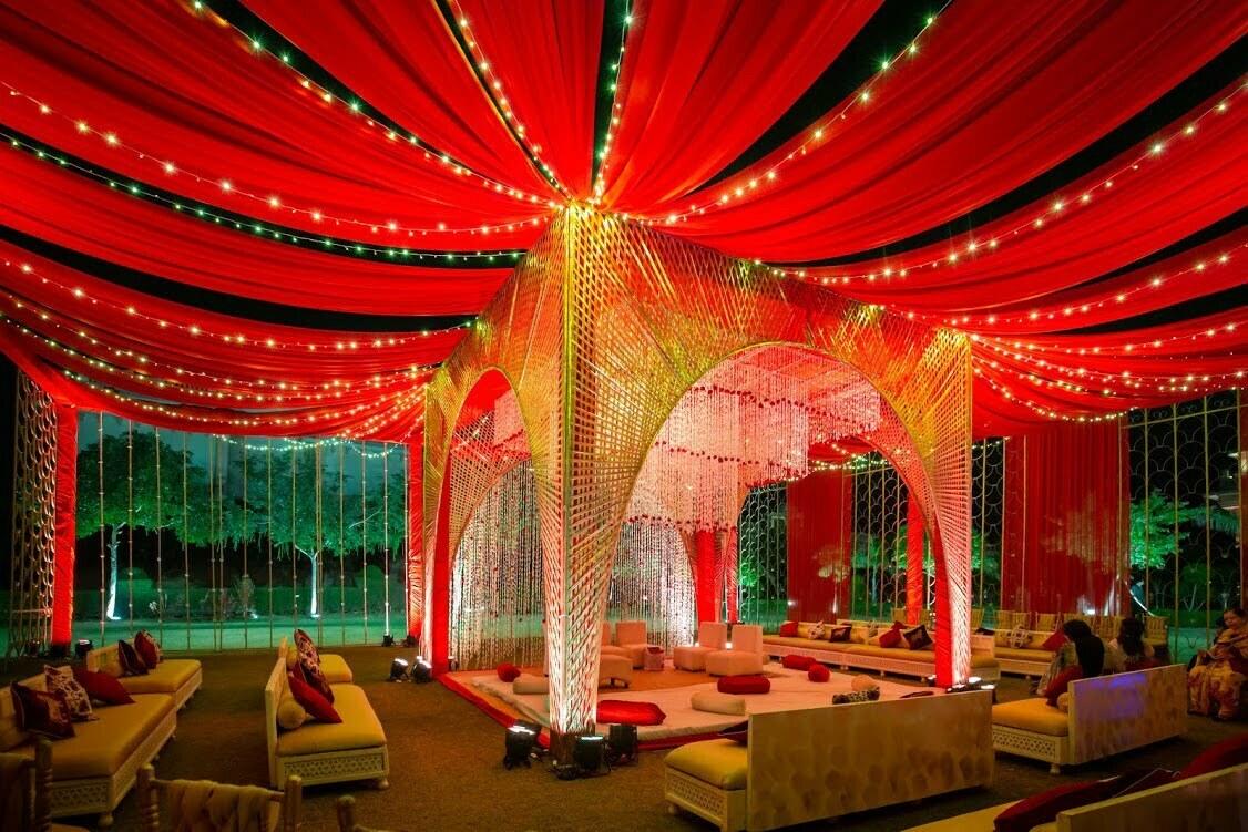 grand outdoor mandap decoration