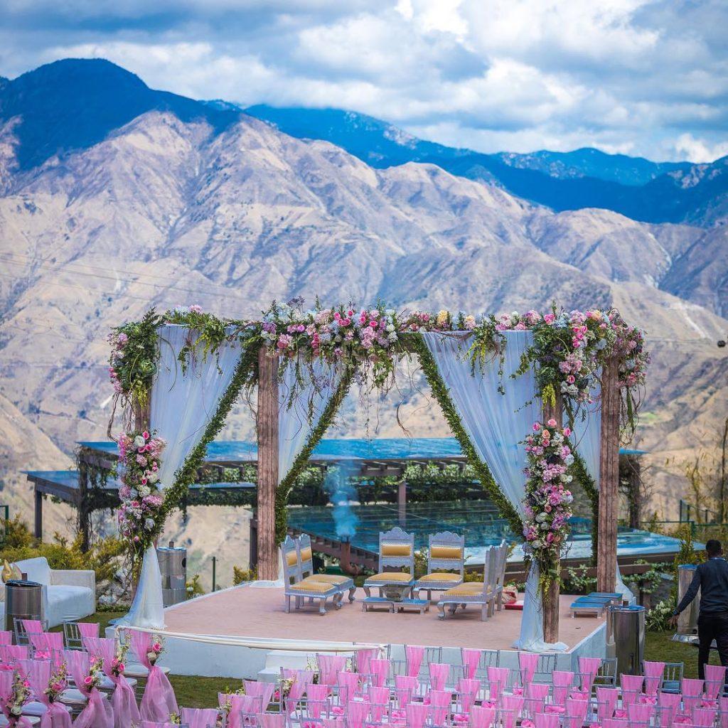 floral mandap decor at hill station wedding