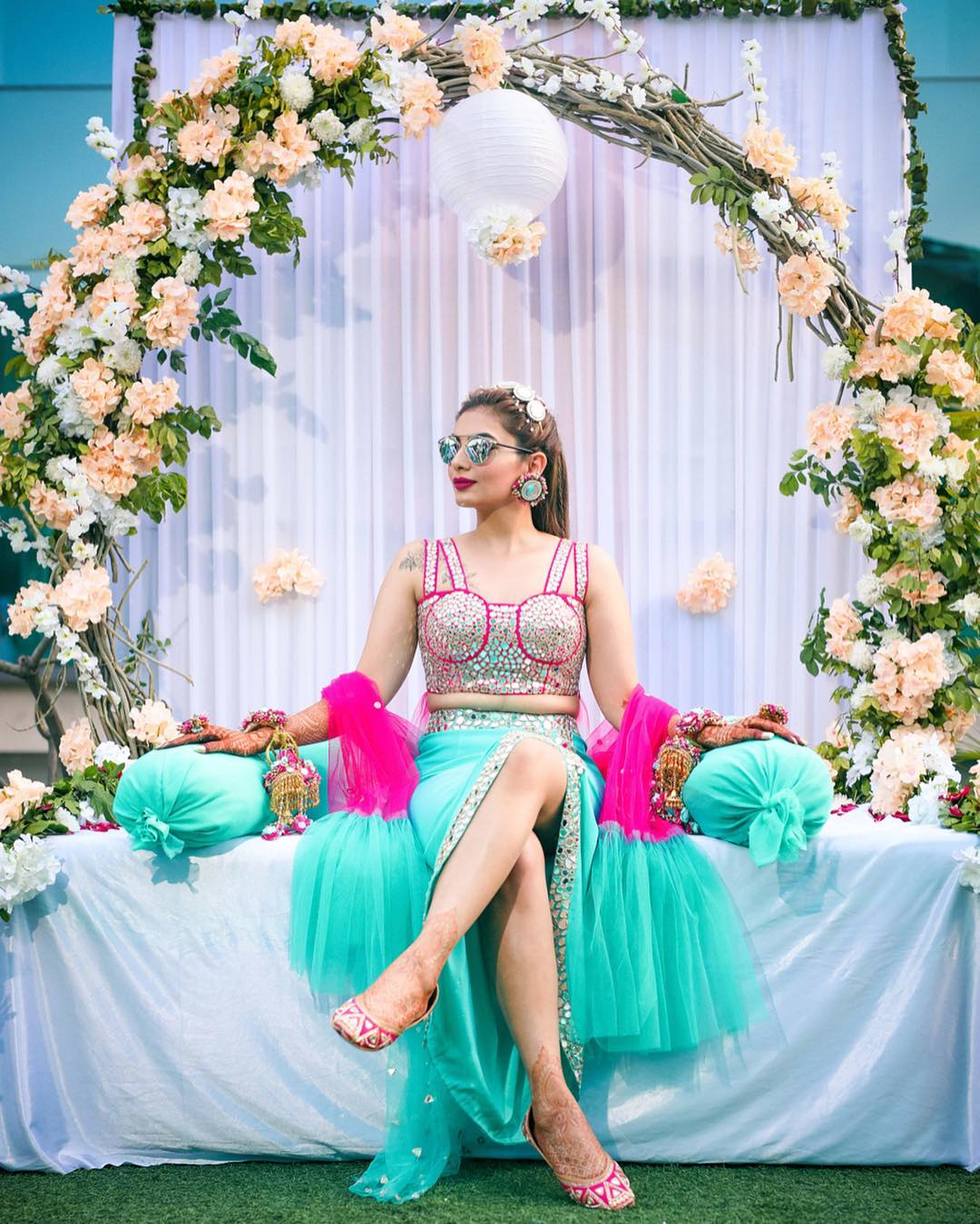 sexy mehendi ceremony outfit ideas