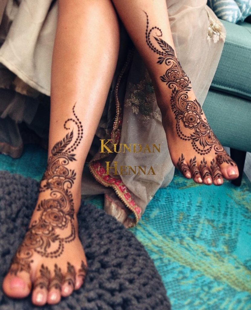 Beautiful Arabic Mehandi Design With Paisleys