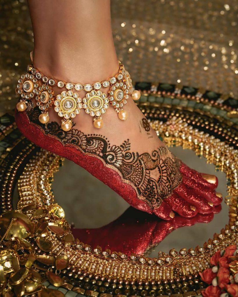 Glitter Feet Mehendi Design Latest 2020