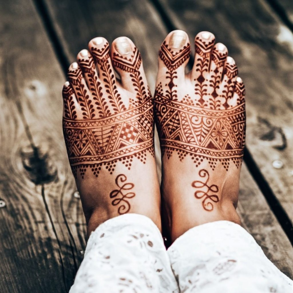 Contemporary Morrocan Mehandi Design For Feet