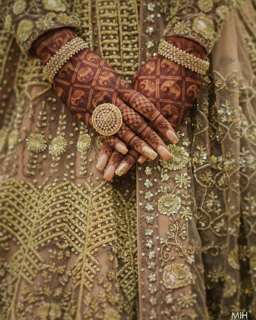 Elephant back hand bridal mehndi design