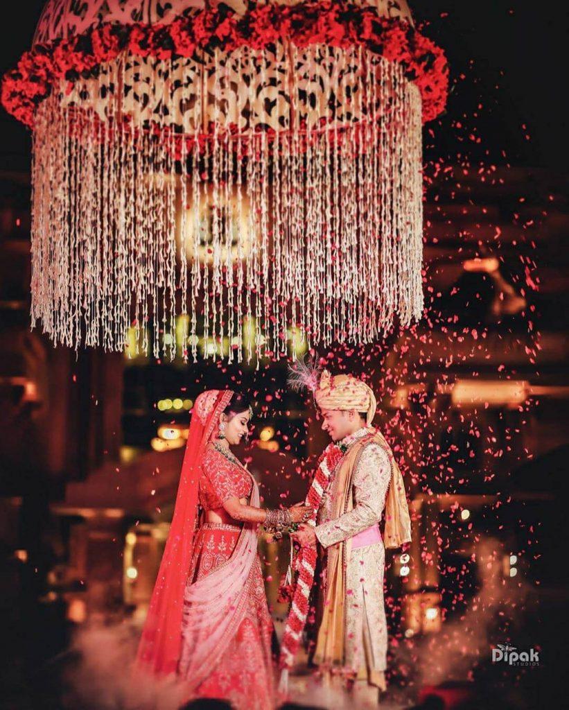 flower shower jaimala theme in wedding