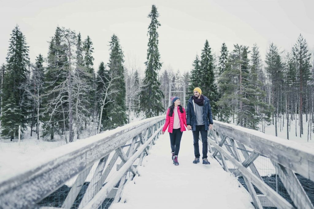 cute couple pose idea in Hillstation photography