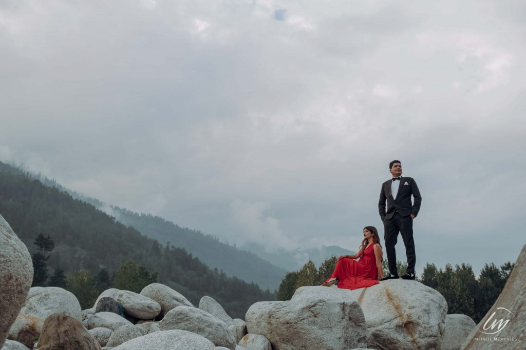 wide angle photo for pre wedding shoot