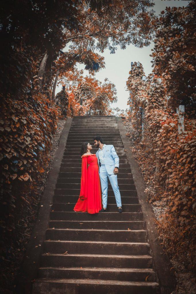 pre wedding shoot ideas in woods