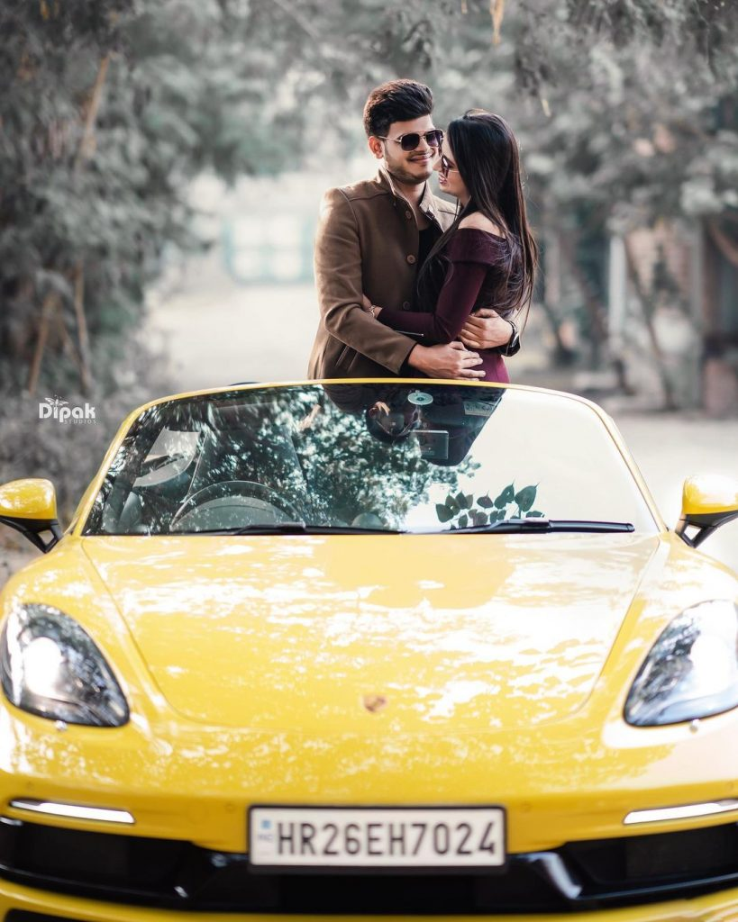 couple-shoot-with-cars