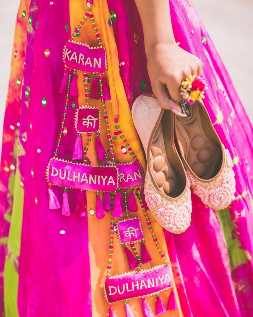Rectangle shaped lehenga latkan design