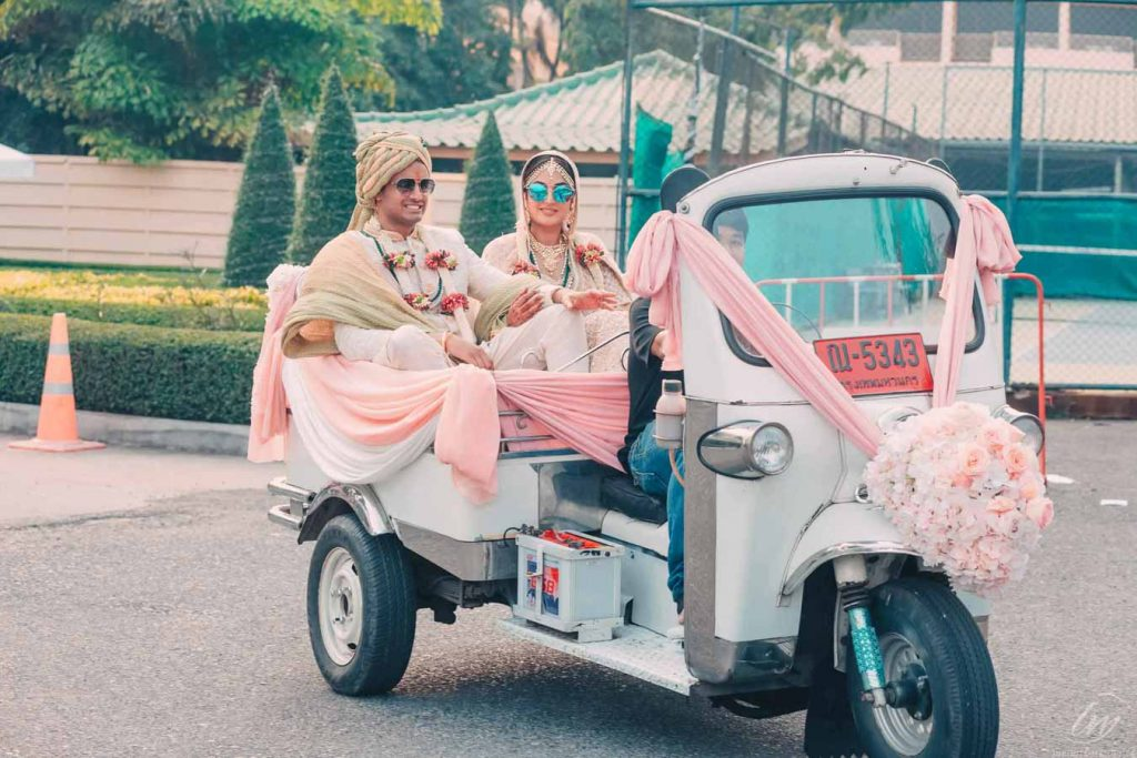 auto rickshaw bride and groom entry wedding