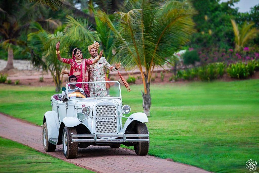 Fun & Offbeat couple vintage car wedding ideas