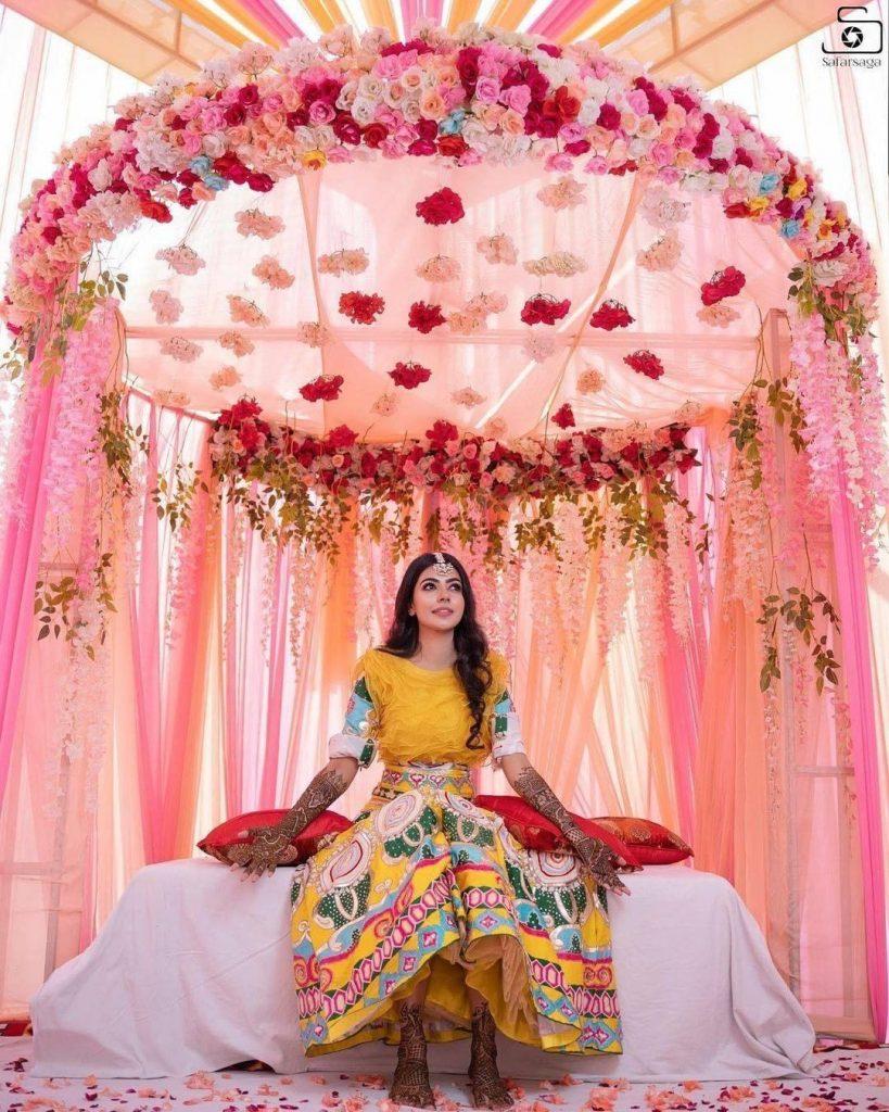 pink floral drapes as mehendi decoration ideas