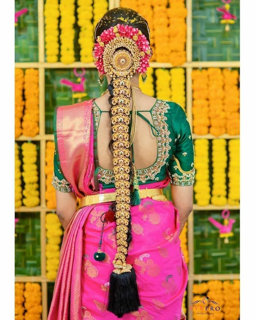 south indian bridal hairstyle for round face
