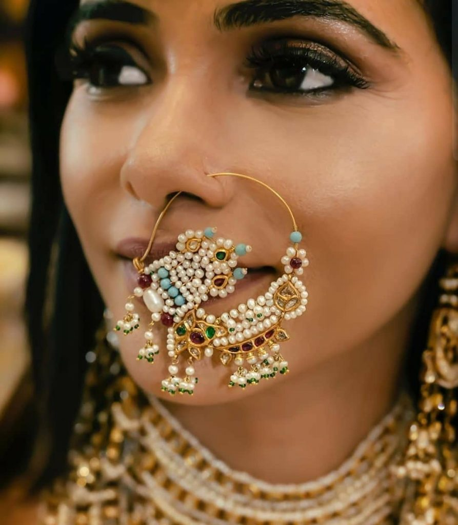 gold and pearl jewellery for dusky skin tones